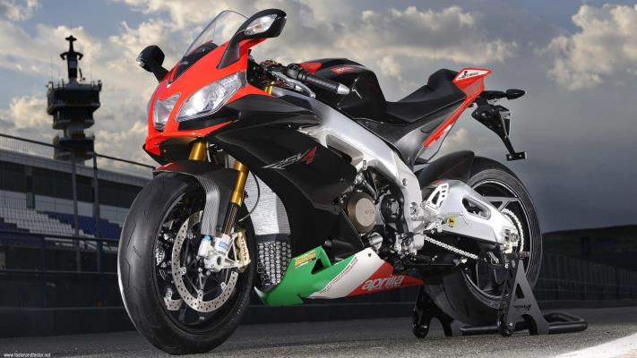 APRILIA RSV4 Factory APRC SE  Made In Italy Design