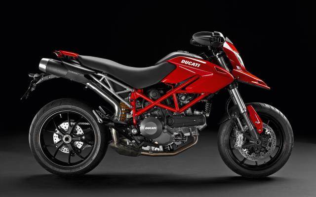 DUCATI Hypermotard 796 Design Made in Italy